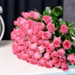 5 avantaje ale florăriei online cu aranjamente la comandă în vremea pandemiei